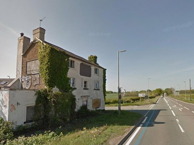 Old Red House in Hannington and next to the A43