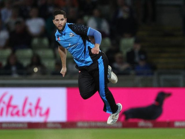 Northants have signed former Worcestershire Rapids all-rounder Wayne Parnell