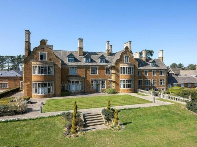 The apartment is within Manfield House, Woolston Close, Spinney Hill, Northampton. Marketed by Jackson-Stops on rightmove