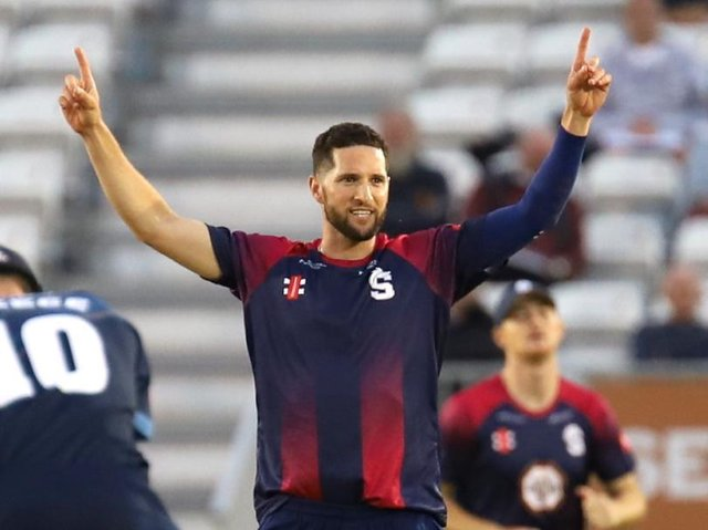 Wayne Parnell claimed two wickets and scored a crucial 25 as the Steelbacks beat Lancashire Lightning