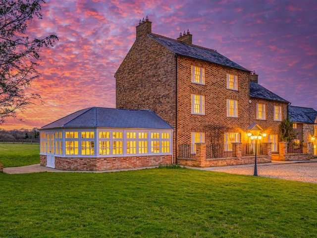 This stunning home complete with six bedrooms and six bathrooms is on the market for 1.5 million.  Listed by Fine & Country, marketed by Rightmove.